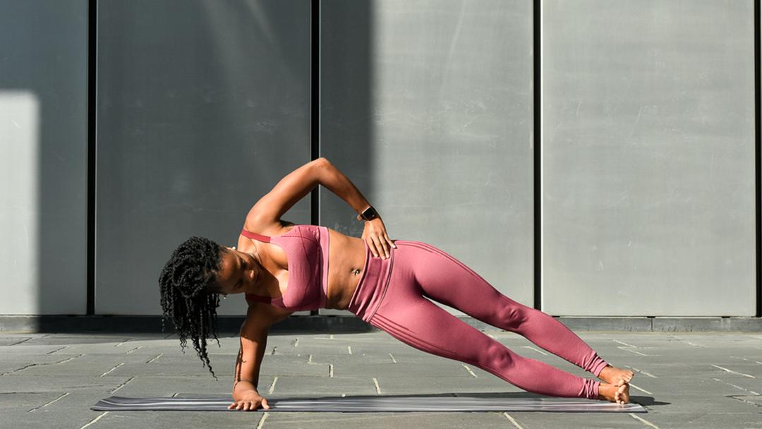 forearm-side-plank-pose-doyou