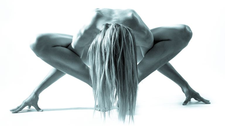 Can Naked Yoga Boost Your Body Confidence?