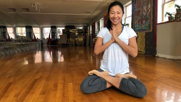 Yoga for Healthy Knees: Understanding Biomechanics Can Protect Your Knees in Lotus Pose