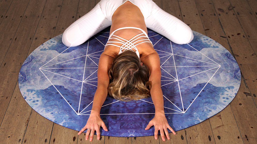 Yoga For Scoliosis 5 Best Poses For Spine Curvature Doyou
