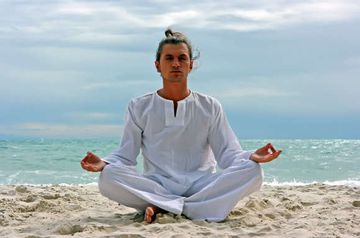 Men's Yoga Clothing - What a Man Needs
