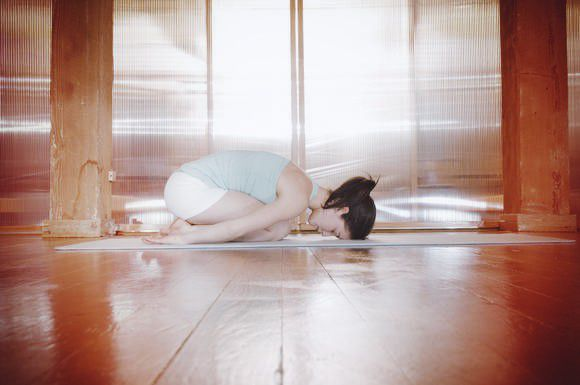 5 Ways Yoga Makes You Love Your Body