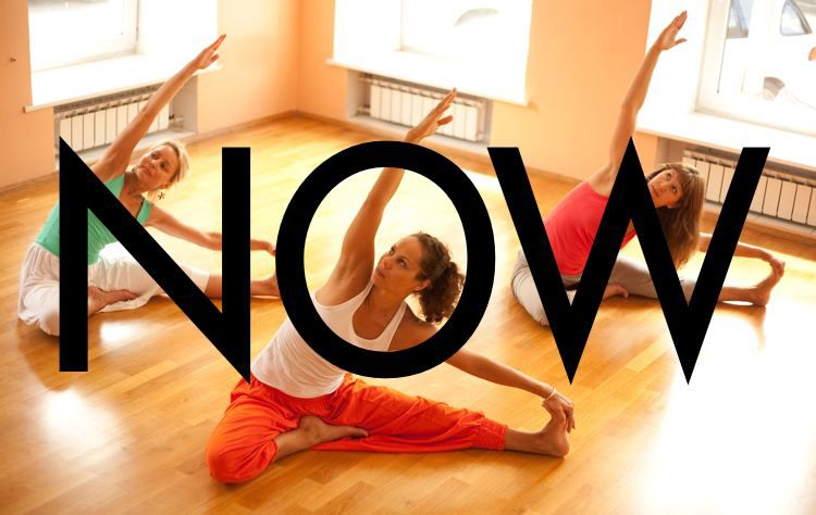 5 Tips To Help You Stay Present During A Yoga Class