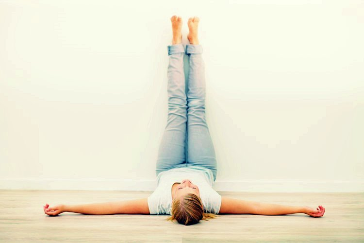 5 Health Benefits Of Legs Up The Wall Posture