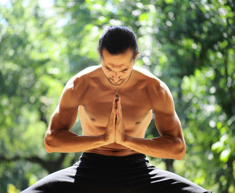 Yoga For Dudes - 6 Things You Must Know Before Your First Yoga Class