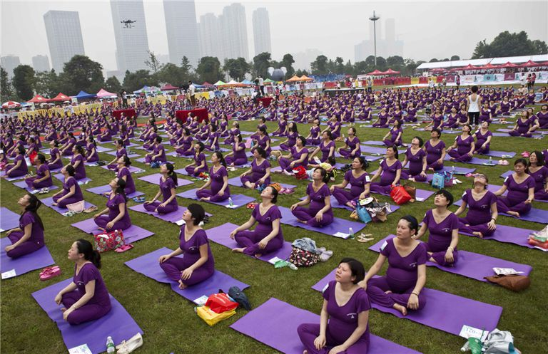 505 Pregnant Yogis Set A New World Record
