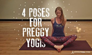 4 Awesome Pregnancy Yoga Poses