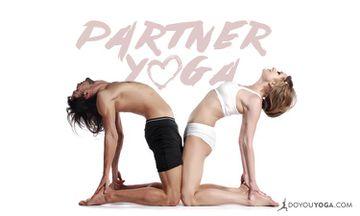 7 Benefits Of Partner Yoga + 5 Poses To Get You Started