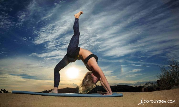8 Boot Camp Yoga Poses For Kick Ass Confidence, Energy, And Endurance