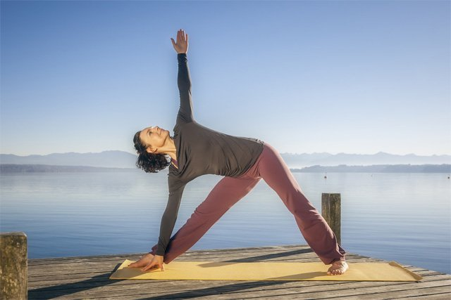 Trikonasana-Triangle-Pose-Variation