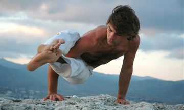 10 Things About Male Yogis That Make Them Extra Attractive