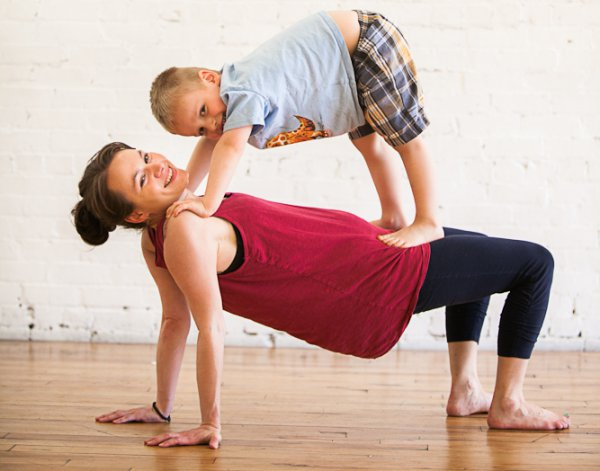 4 Tips For Teaching Group Or Partner Yoga For Kids Doyou