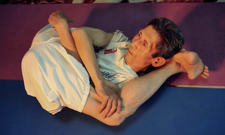 84-Year-Old Yogi Proves Yoga Knows No Age