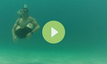 This Is What Happens When You Combine Free Diving and Yoga (VIDEO)