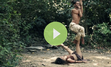 Stunning Demonstration Mixes Beauty of AcroYoga and Nature (VIDEO)