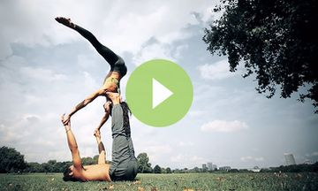 AcroYoga Pair Shows the Playful Side of Yoga (VIDEO)