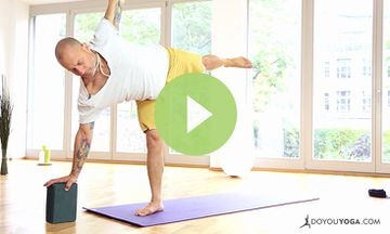 10-Minute Yoga Flow for Mind and Body Transformation (VIDEO)
