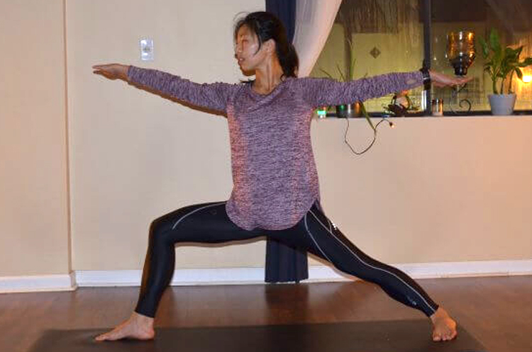 Yoga-Poses-to-Burn-Off-All-Your-New-Thanksgiving-Weight-warrior2