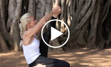 A Beautiful Yoga Demo of Two Yogis In Mysore (VIDEO)