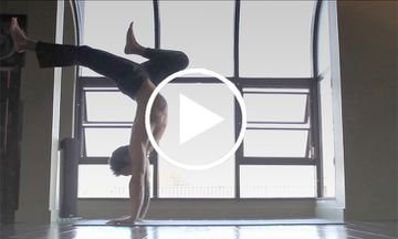 5-Minute Advanced Vinyasa Flow by Dylan Werner (VIDEO)