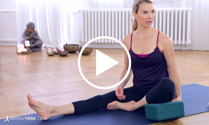 12 Minute Beginners Class To Avoid Knee Pain In Yoga Poses Video Doyou